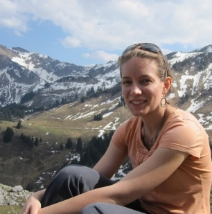 Photo of Gail Zasowski in front of a mountain