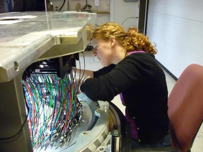 Anne-Marie plugging a MaNGA plate
